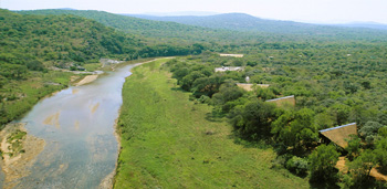 Amakhosi Safari Lodge,Amazulu Private Game Reserve,Hluhluwe iMfolozi Reservations