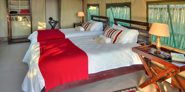 King Twin beds accommodation Mavela Game Lodge Manyoni Private Game Reserve Zululand Rhino Reserve Luxury Tented Camp